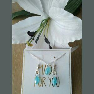 Necklace/earrings 🌸